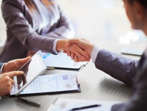 Ways to Build a Stronger Professional Relationship With Your Divorce Attorney