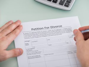 Default Judgments – What You Face If You Ignore a Divorce Petition