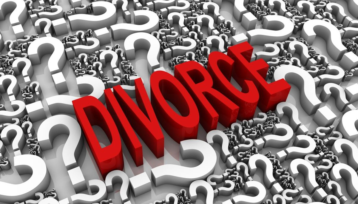 Divorce word surrounded by question marks, if looking for a good Clinton Township Divorce Lawyer call our law firm.