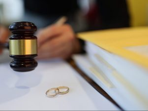 What to Expect in a Divorce Pretrial Hearing